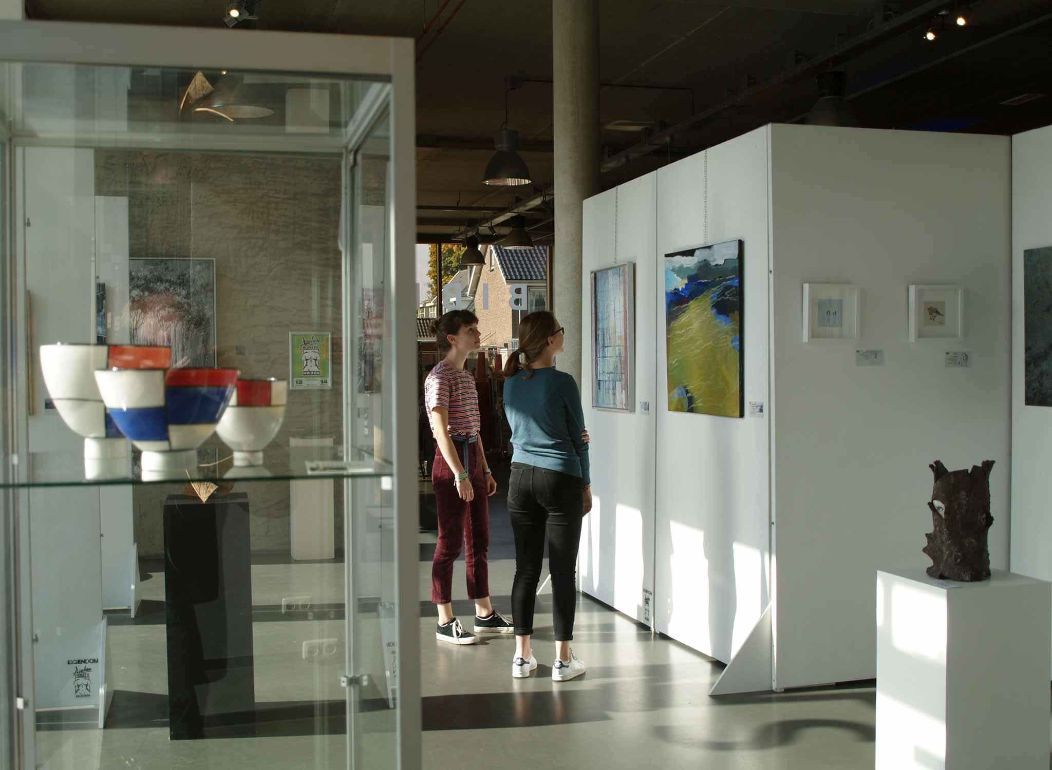 Overzichtstentoonstelling AtelierRoute Huizen